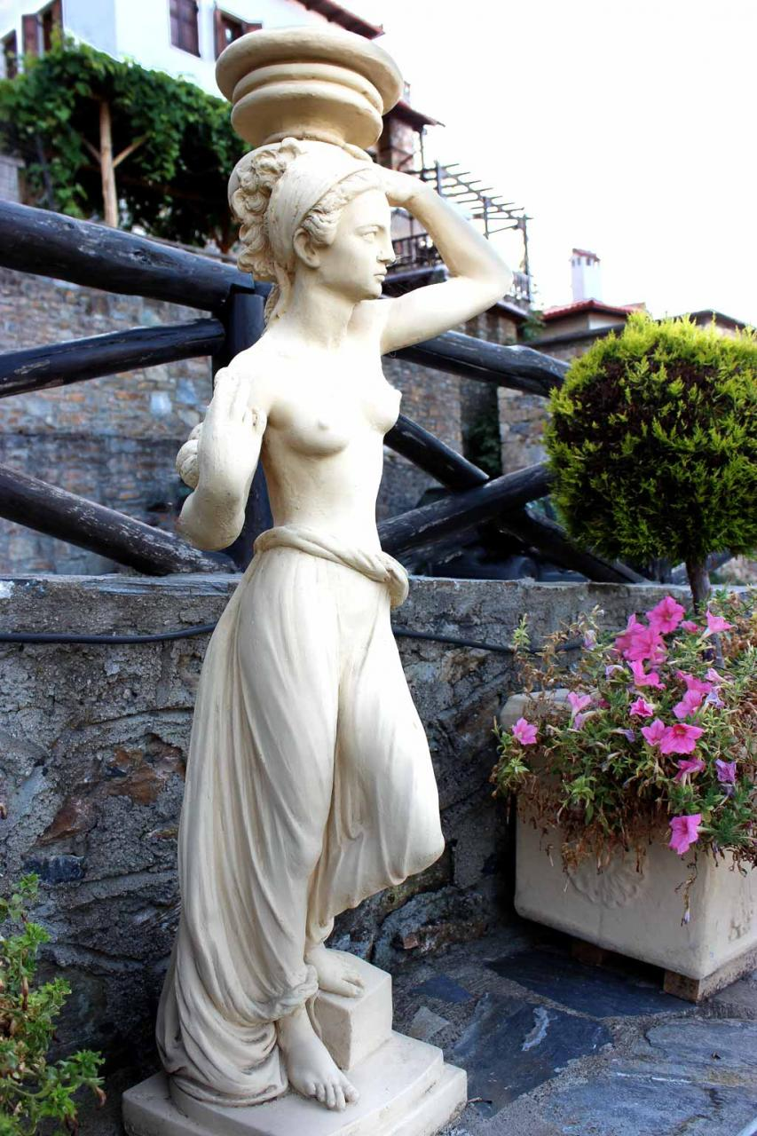 скульптура Афродиты на олимпийском склоне