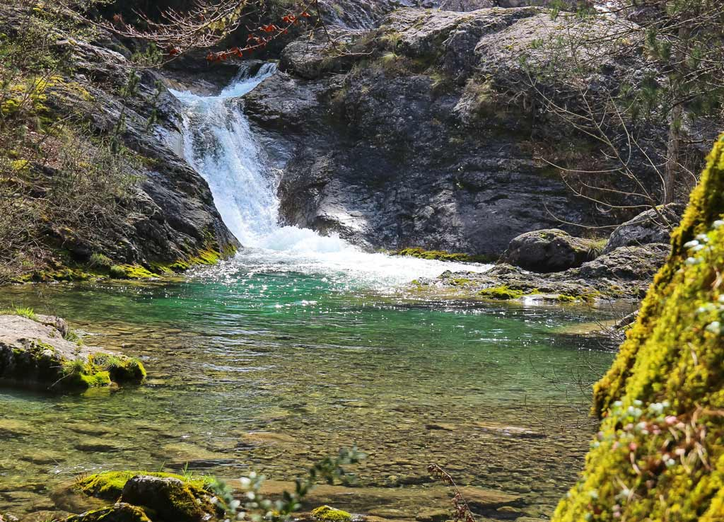 водопад на горе Олимп в Греции, экскурсия на олимп