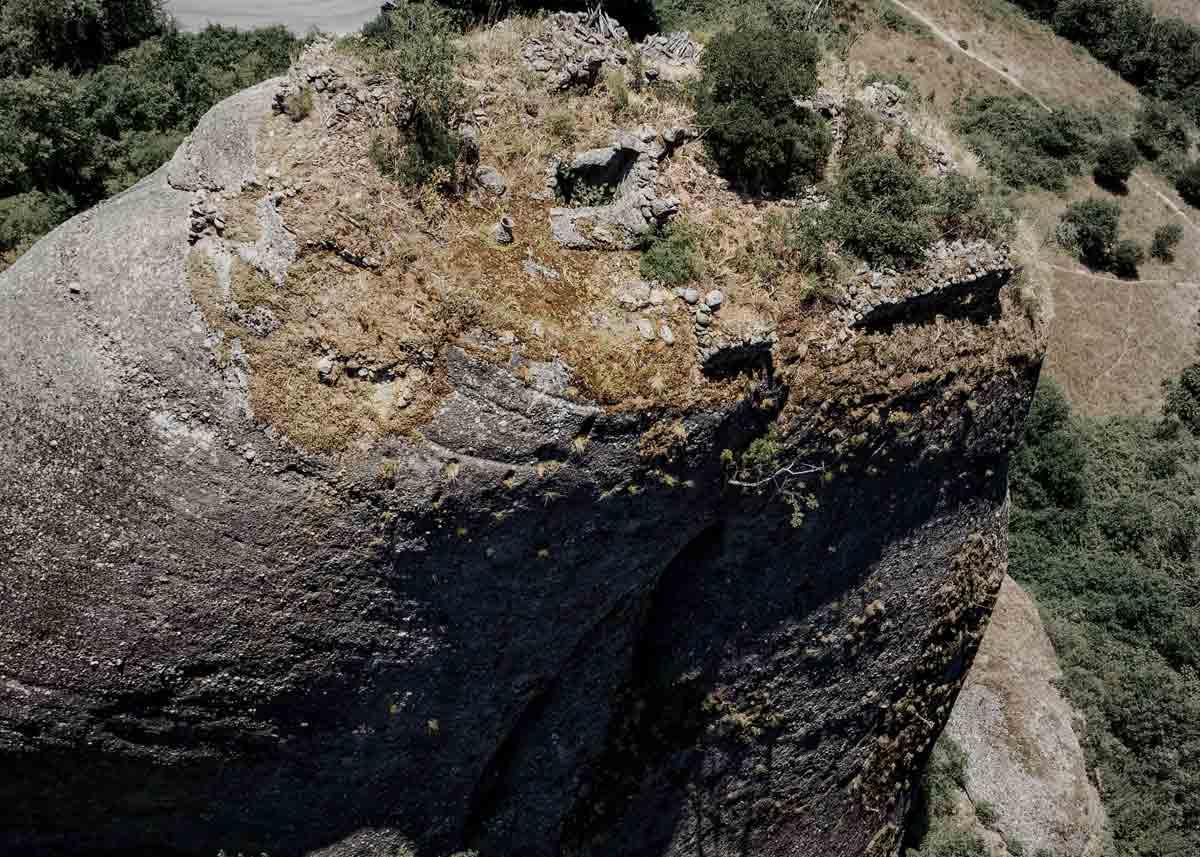 рарушенные монастыри Метеоры, Греция. Фото
