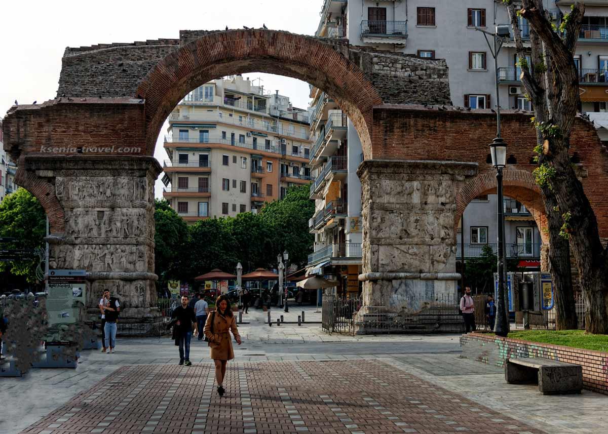 Триумфальная арка Галерия на экскурсии по Салоникам
