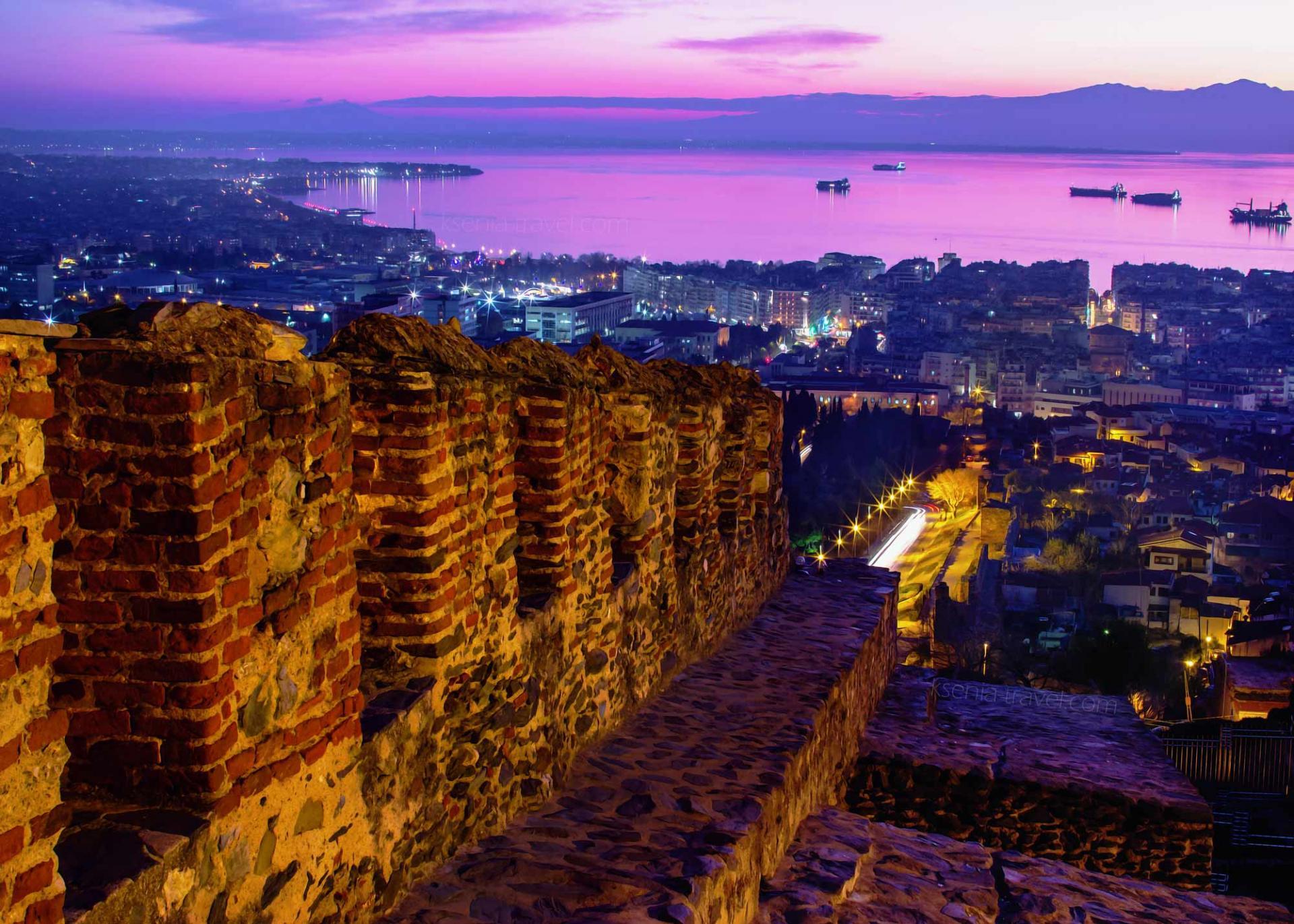 крепостные стены на экскурсии по Салоникам
