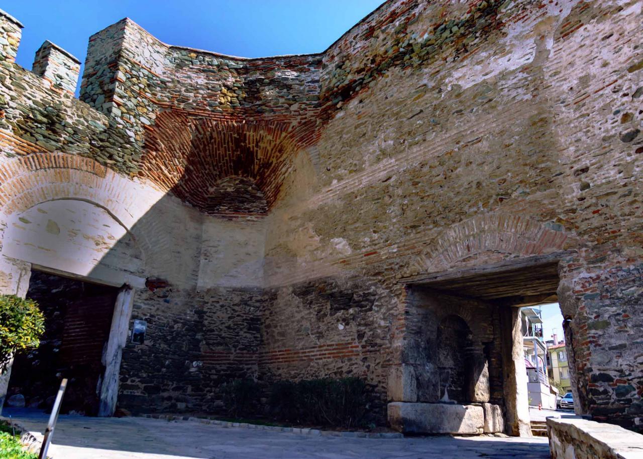 ворота Анны Палеолог, достопримечательности Салоники