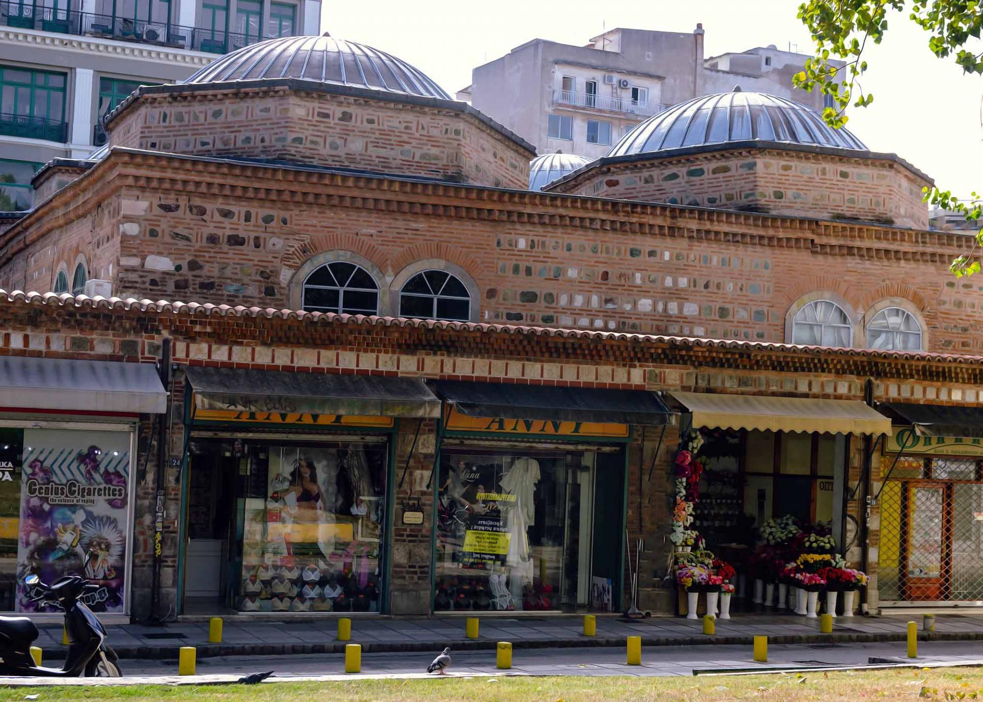 Безестени – торговый пассаж возрастом 600 лет