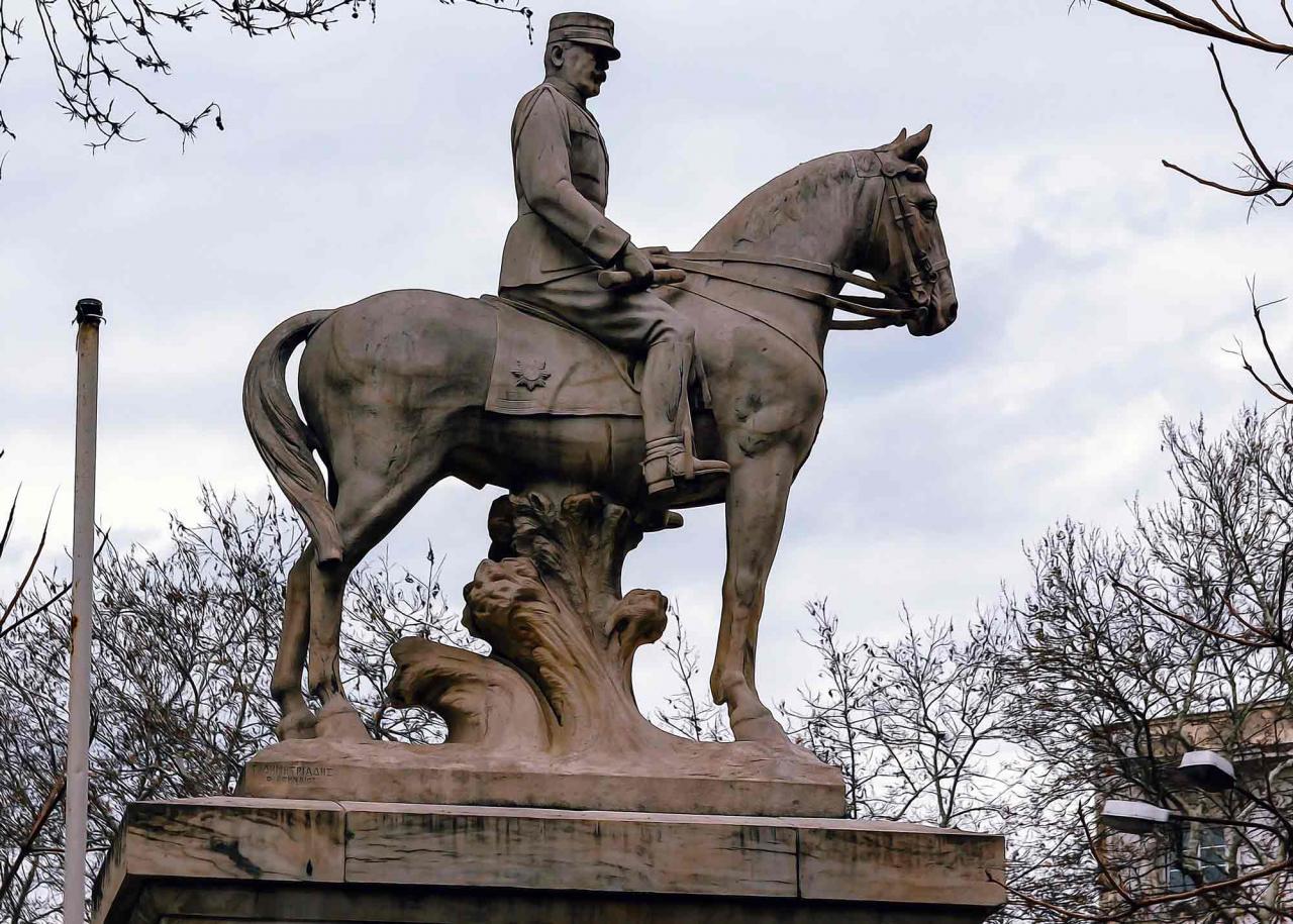 памятник королю Константину, достопримечательности Салоники