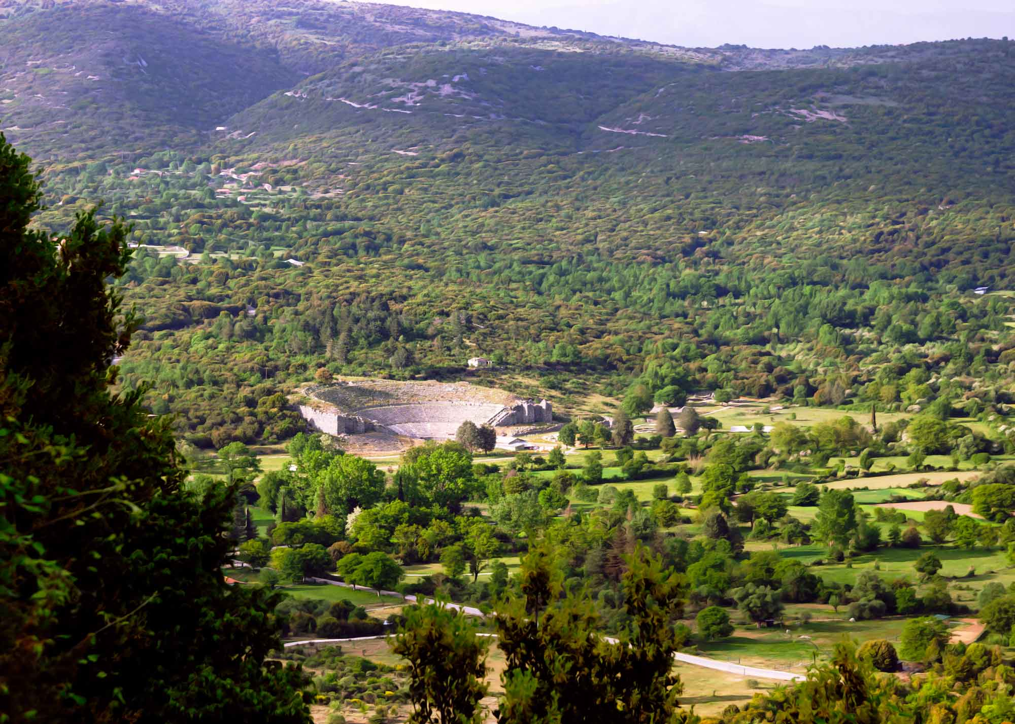 древнегреческий театр в Додони, древнейшее сятилище Греции