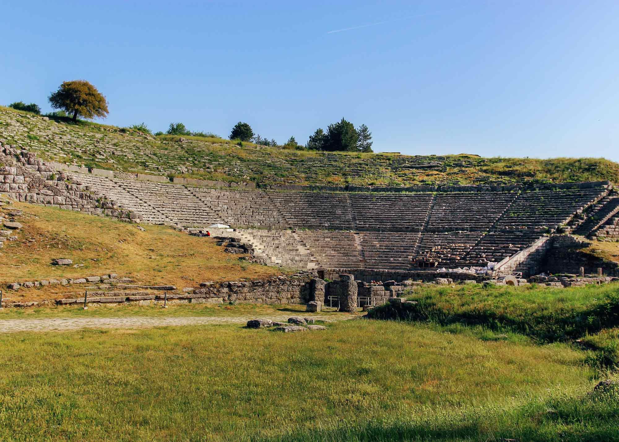 театр в Додони, экскурсии в древнейшее святилище Греции