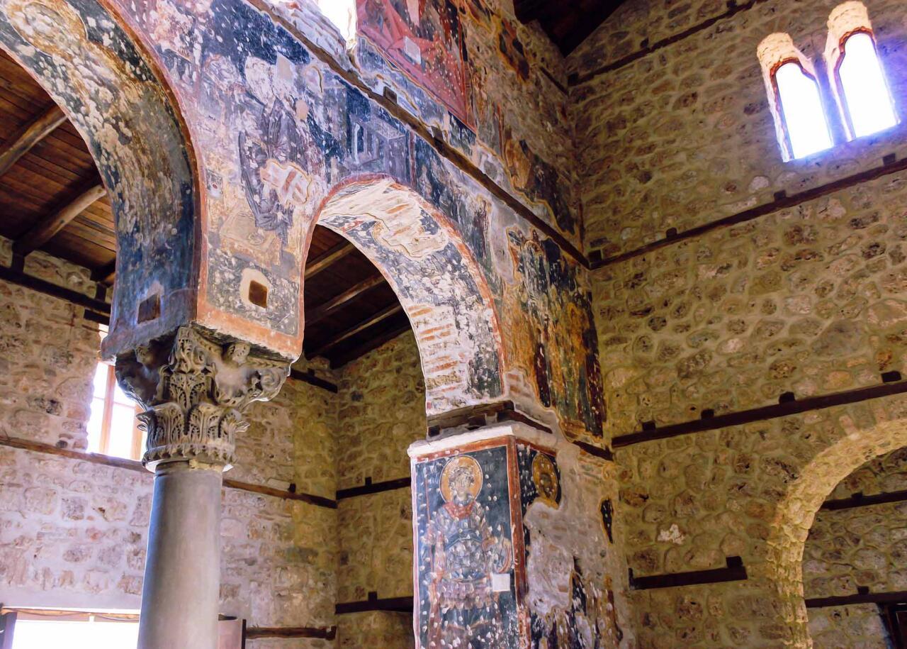 храм успения Богородицы 14 века в городе Эдесса