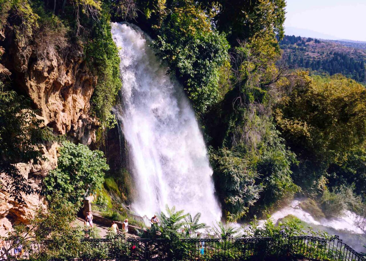 водопад Коранос в городе Эдесса, экскурсии с частным гидом из Салоники
