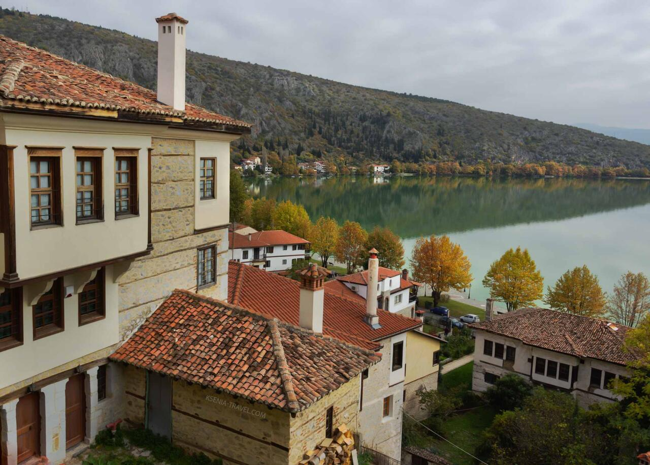 озеро Орестиада, вид из дома в Касторье, Греция