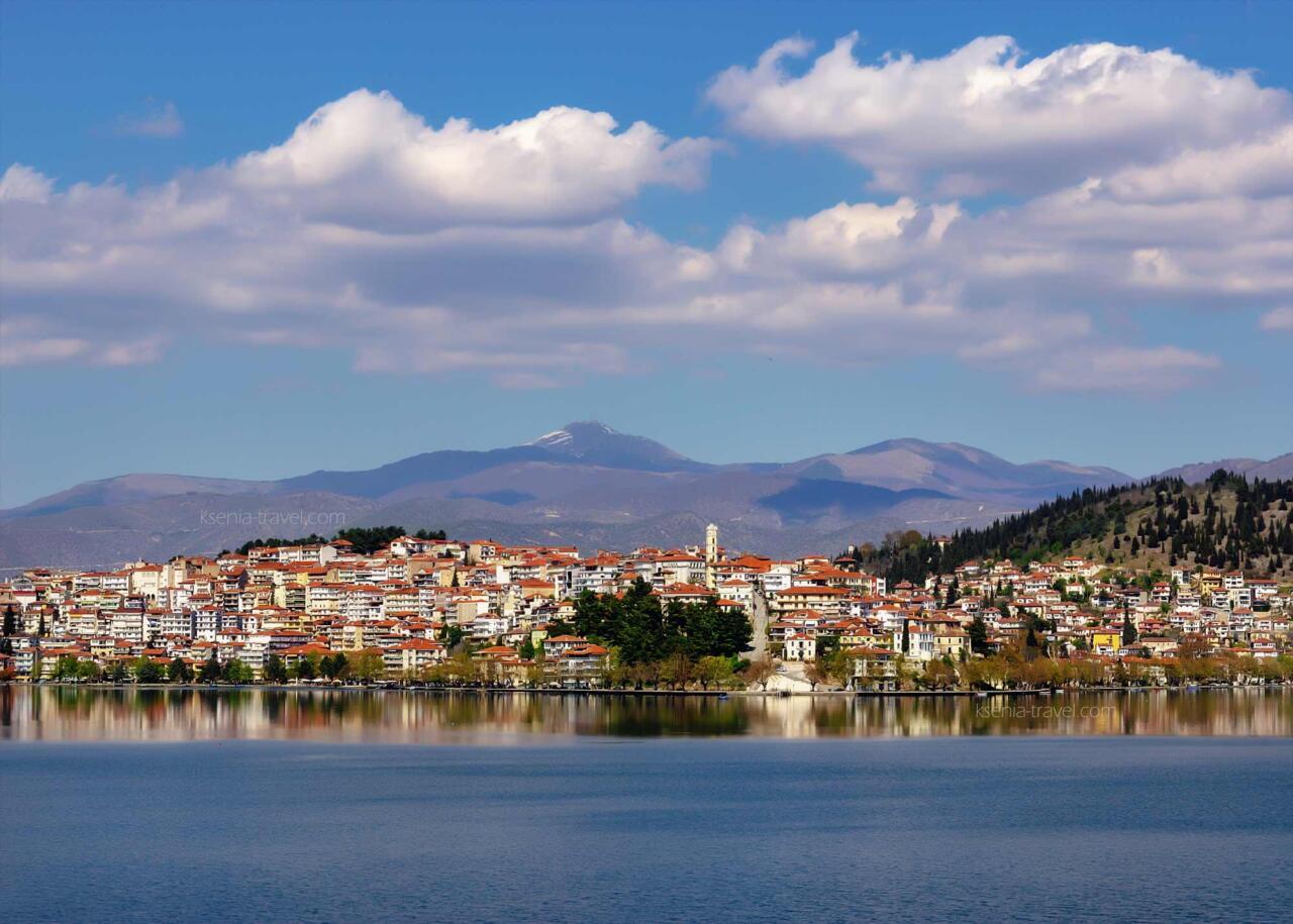Город Касторья на озере Орестиада, Греция