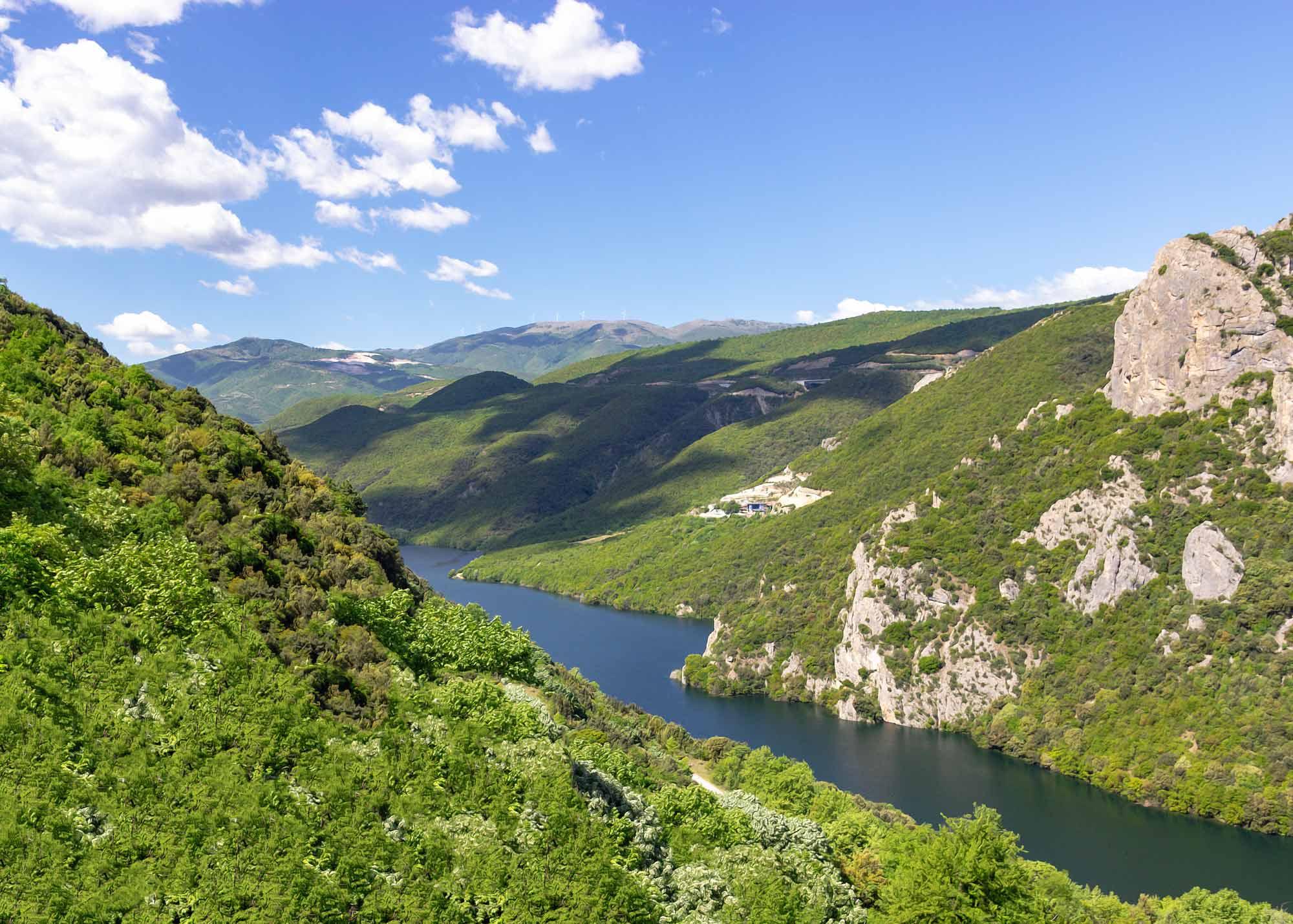 фотоотчет о поездке в македонию данным рен тв