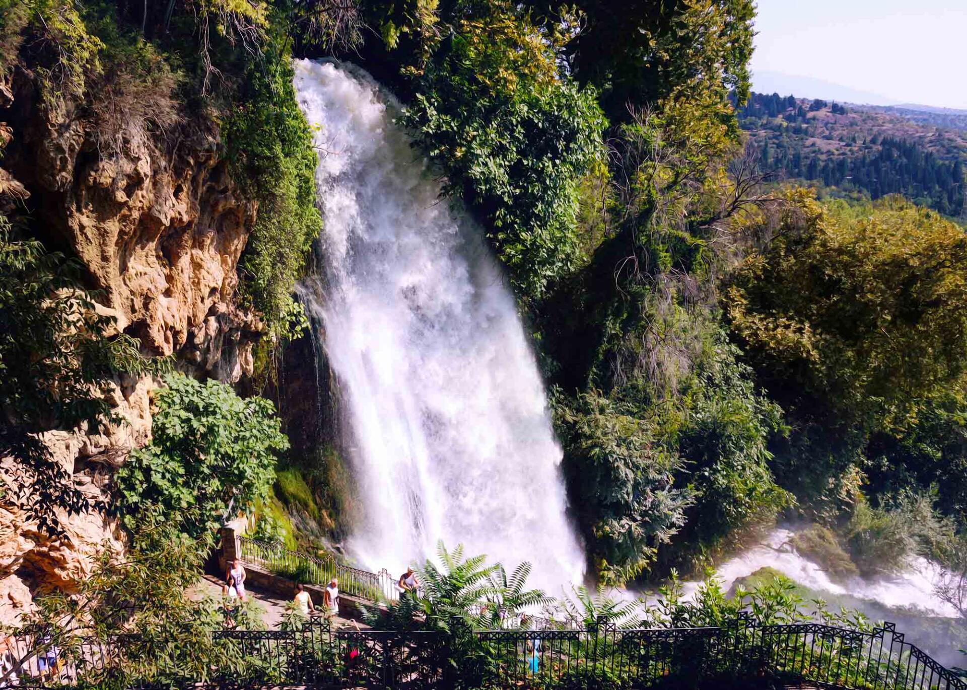 Эдесса город водопадов
