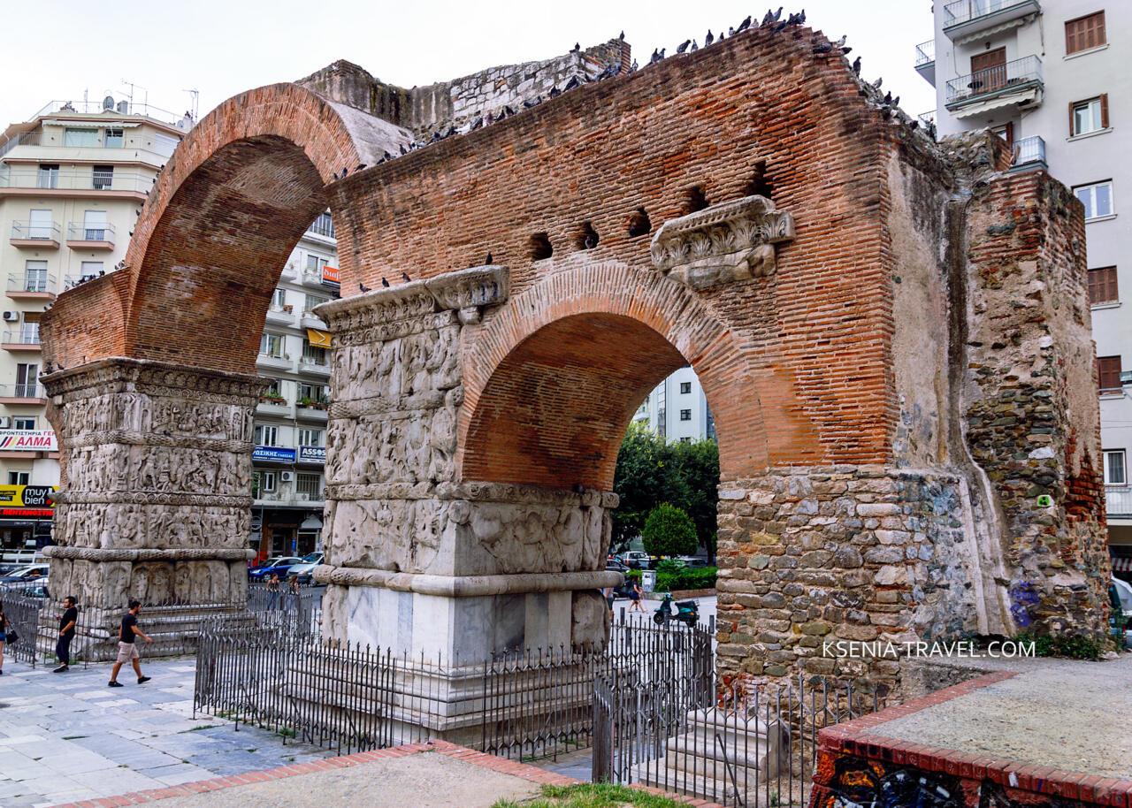 триумфальная арка императора Галерия, достопримечательности города Салоники