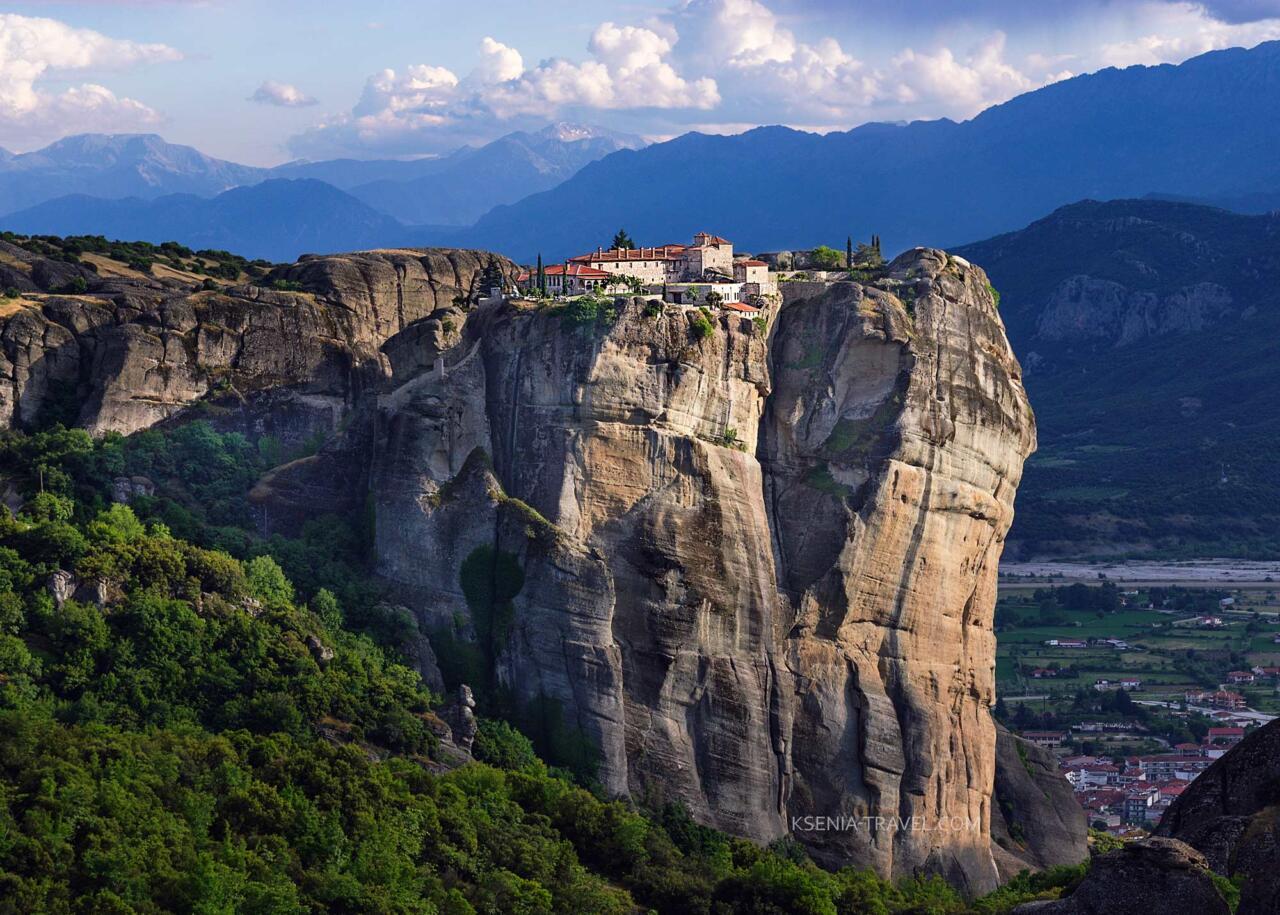 Экскурсия в Монастыри Метеоры, Греция, скала святой Троицы