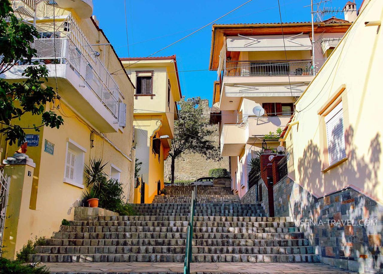 улочки верхнего города в Салониках