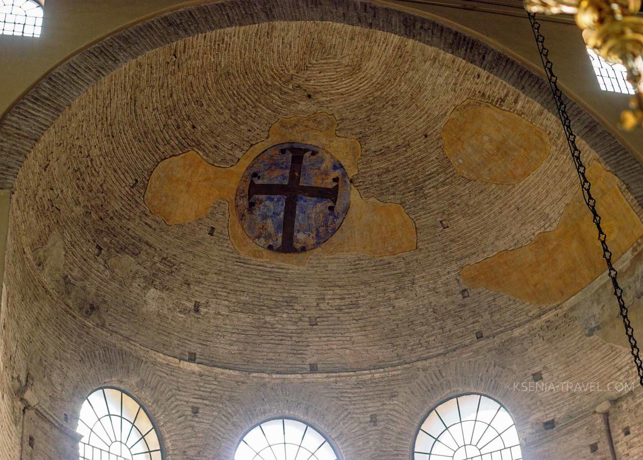 Апсида церкви Ахиропиитос
