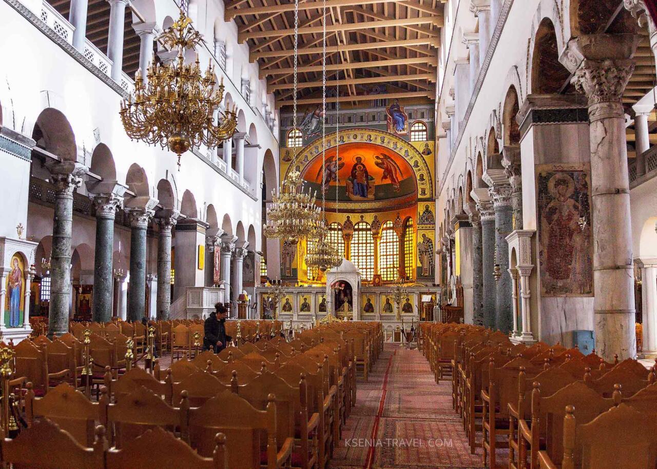 Внутреннее убранство базилики св. Димитрия в Салониках
