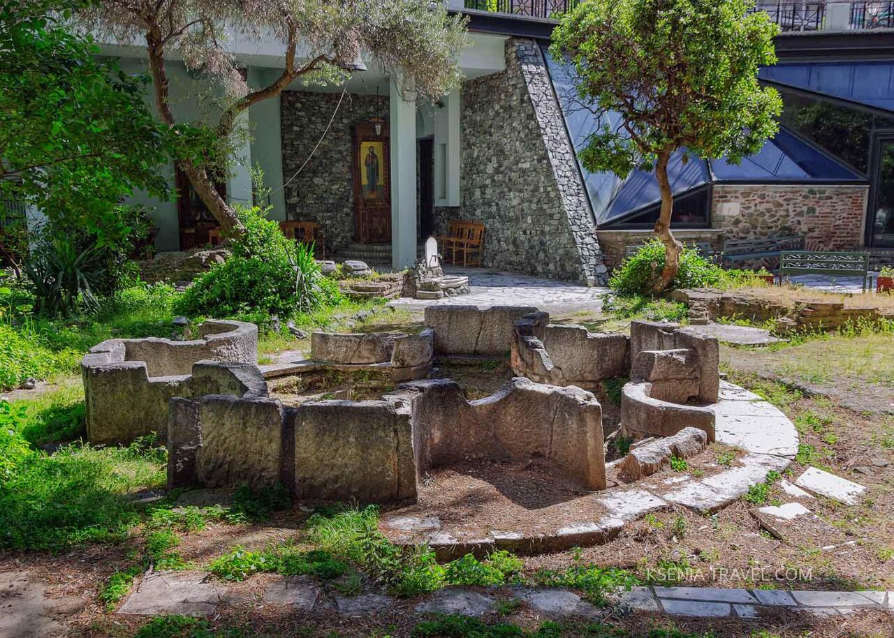 Мраморная купель для крещения, Салоники