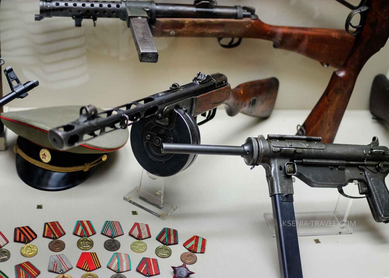 Экспонаты в военном музее Салоников