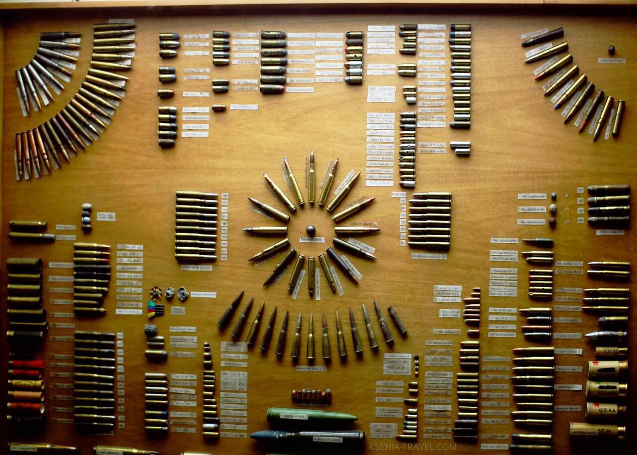 Коллекция патронов в военном музее города Салоники
